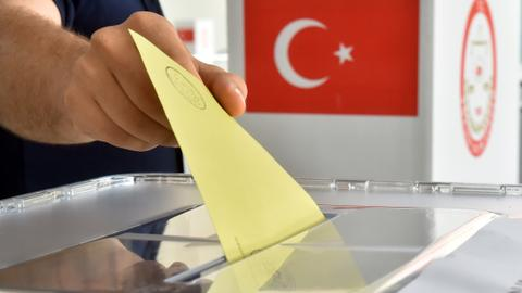 Polls open in local #TurkeyElections