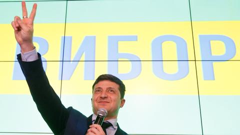 Will comedian's election victory end Ukraine's political divide?