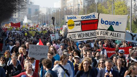 Thousands march in Berlin against rising rents