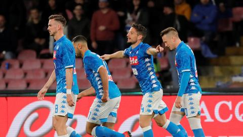 Napoli draw puts Juventus coronation on hold