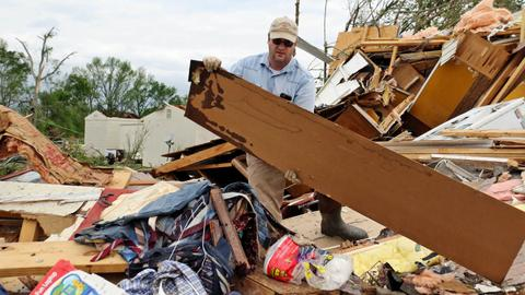 Storms in US South kill at least 8 and injure dozens