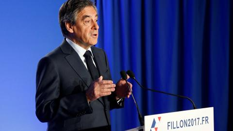 Fillon will not drop out of French elections despite investigation