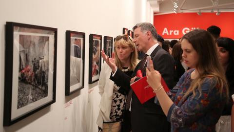 Ara Guler exhibition draws crowds in London