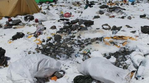 Three tonnes of rubbish collected from Everest