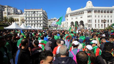 Thousands protest again against ruling elite in Algeria