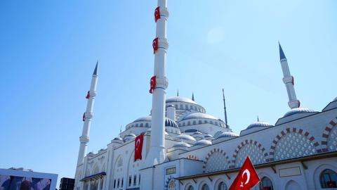 Turkey's largest mosque formally opens in Istanbul