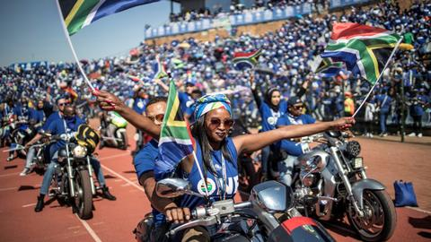 South Africa sweeps into final election campaign weekend