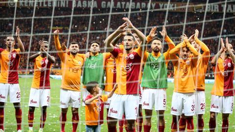 Galatasaray beat Besiktas in Istanbul derby