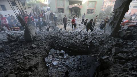 Ceasefire temporarily ends Israel's deadly bombardment on Gaza