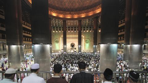 In pictures: Muslims welcome holy month of Ramadan