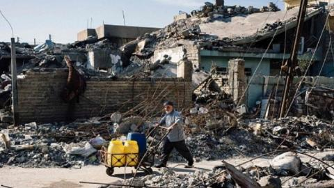 Local authorities struggle to rebuild eastern Mosul