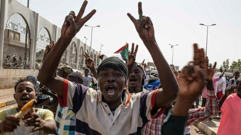 Sudan faces civil disobedience as army delays transition