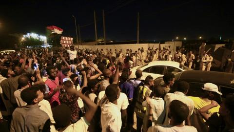 Sudan army major, protester killed as breakthrough in civil rule talks