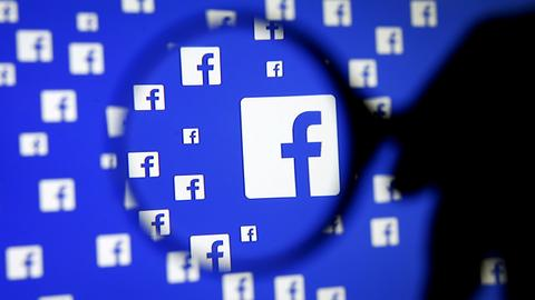 Facebook to hire a few American journalists to curate global news