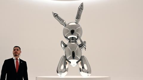 Jeff Koons 'Rabbit' goes for record  $91.1M for a living artist