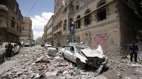 Yemen army retakes southern city from Houthi rebels