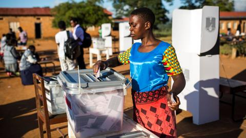 Malawians await result of presidential elections