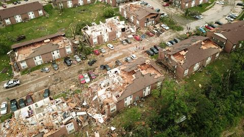 Death toll from storms lashing central US rises to seven