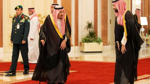 Can the threat of Iran and a handshake solve the Saudi-Qatar crisis?