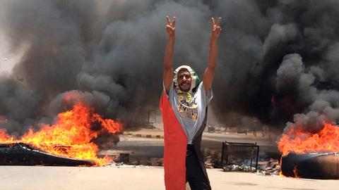 Chaos reigns in Sudan as military clings to power amid information blackout