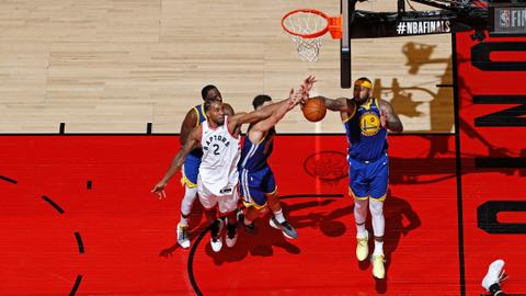 Warriors edge Raptors to keep NBA title hopes alive