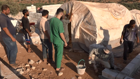 Syrian doctor launches Facebook campaign to raise funds for IDPs