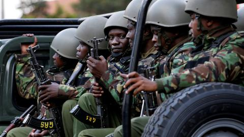 Roadside bomb kills 10 Kenyan police near Somali border