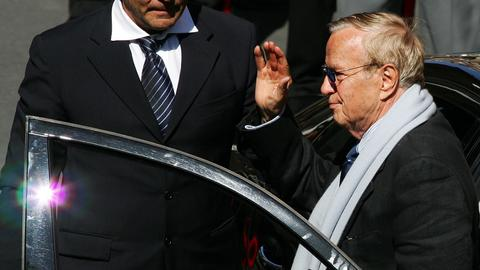 Thousands pay homage to Italian director Zeffirelli