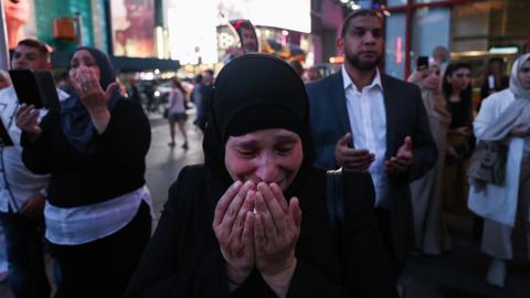Prayers held for Egypt's Mohamed Morsi - The last 24 hours in pictures