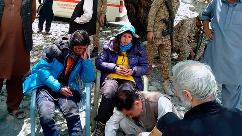 Pakistan army rescues six avalanche-hit climbers