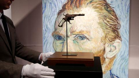 Revolver believed used by Van Gogh sold at Paris auction