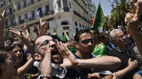 Hundreds rally in Algeria despite arrests