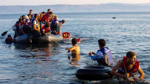 Turkey says Greece violated EU readmission deal by returning refugees