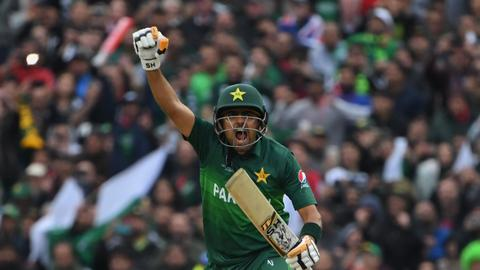 Pakistan beats New Zealand at Cricket World Cup in a six-wicket victory
