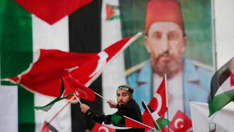 Lebanese leader blasts Arab leaders, evokes Ottoman legacy in Palestine