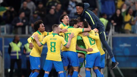 Brazil beat Paraguay in shootout in Copa America quarters