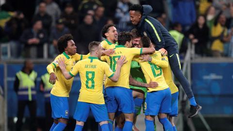 Brazil beat Paraguay in shootout in Copa America quarters