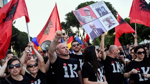 Albanians to vote in opposition-boycotted elections