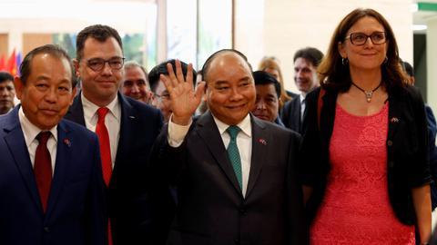 Vietnam signs free trade deal with EU
