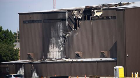 Plane crash in Texas kills 10 people