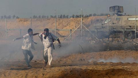 Israeli troops wound dozens during Gaza protests
