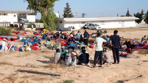 UN calls for ceasefire in Libya as death toll climbs to 1,000