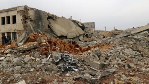 US air strike kills over 30 civilians in Syria: monitor