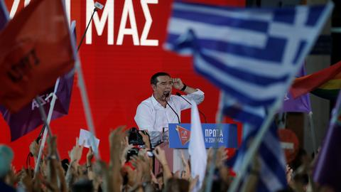 Greek PM Tsipras eyes shaky comeback in Sunday vote