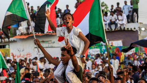 Sudan protesters and army rulers ink power-sharing deal