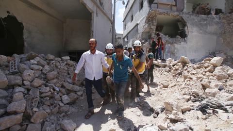 Regime air strikes kill 10 civilians in north-west Syria