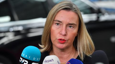 EU works to save unraveling nuclear agreement with Iran – Gulf tensions