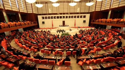 Turkish Parliament condemns EU suspending talks