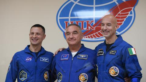 Space crew to blast off for ISS on Moon landing anniversary