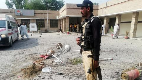 Female suicide bomber kills at least eight in northwest Pakistan